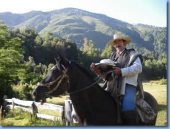 Our team for horseback rides in southern Chile: Aldo